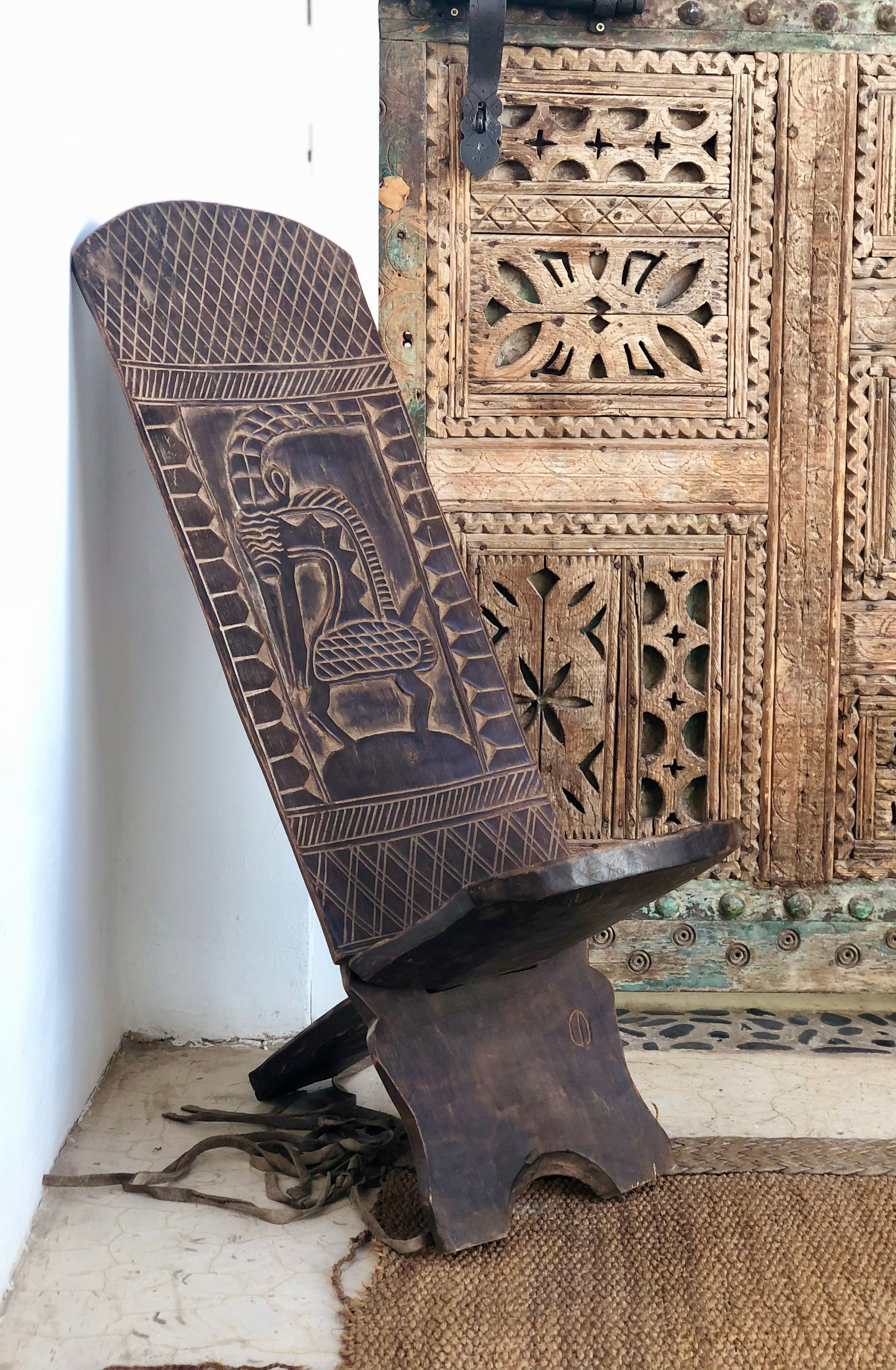 Chaise africaine à palabre