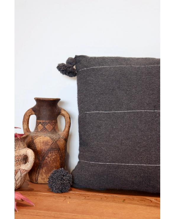 Coussin pompon gris