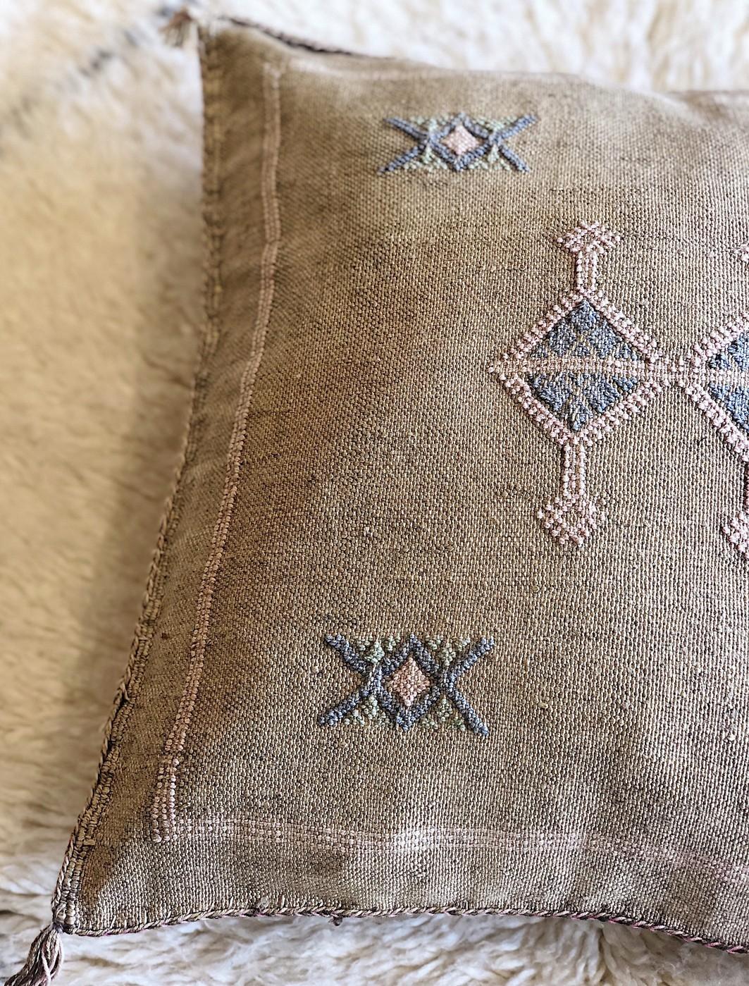 Textiles | Maisons Nomades