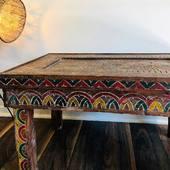 💡Nouveauté: Table basse berbère vintage en bois. Pièce authentique et unique à découvrir sur notre site web #supportyourlocalbusiness 📦 Livraison gratuite à partir de 150€ ! We ship worlwide !!!! • • • • • • • #artisanatmarocain #artisanatberbere #artafricain #berberart #supportlocalbrand #artisanatparis #tapismarocain #tapisberbere #decorationinterieur#decoethnique #deconomad #decoethniquechic #ethnochic #ethnochicstyle #maisonsnomades