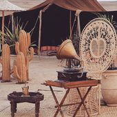 〰️L'art de vivre marocain. Tapis berbère et objets voyageur à découvrir sur [www.maisonsnomades.com]. • • • • • • •#inaracamp #inaracampos #beldistyle #nomadlifestyle #nomadliving #paysagemarocain #lovemaroc #igtraveler #igtravel #marrakechstyle #tresordumonde #viesimple #bohochic #bohostyle #boholuxe #modernboho #voyageursdumonde #picsoftheday #decoaddict #homeinterior #homesweethome #treasurehunter #maisonsnomades
