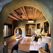 🔥Dreamy bedroom • • • •  • • • #nomadlifestyle #nomadliving #interioraddict #interiordesign #interiorinspo #interiorjunkie #bohochic #bohostyle #boholuxe #modernboho #instahome #instadeco #instadecoration #decoaddict #homeinterior #homesweethome #treasurehunter #maisonsnomades