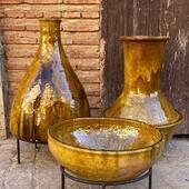 🌴 Poteries traditionnelles de Tamegroute disponible en pré commande ! Nous contacter via notre site internet pour plus d'informations : ➡️ www.maisonsnomades.com ⬅️ Expédition depuis le Maroc, dans des caisses en bois.  • • • • • #poterietamegroute #poterietamegrout #tamegroute #tamegroutepottery #ceramiquecontemporaine #ceramiquemarocaine #poterieartisanale #poteriemarocaine